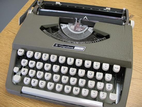 Photo of typewriter: Flickr/mpclemens