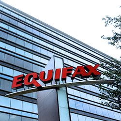 40 days after discovering data leak, Equifax warns that 143 million US consumers could be at risk
